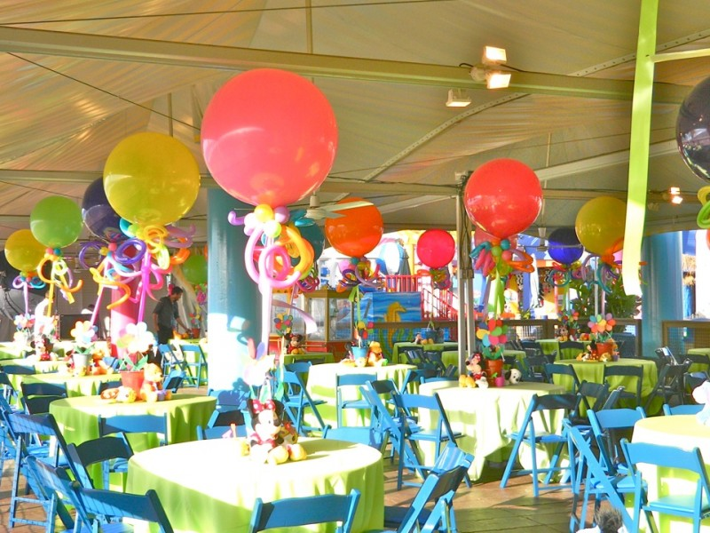 Balloon Decor Balloon Decorations For Christmas Parties and