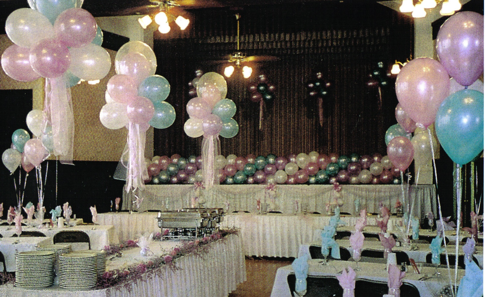 Balloon decorations for wedding and bridal showers for Ballom decoration